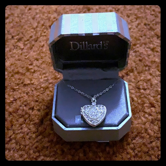 Dillard's Jewelry - 🆕 Dillard's Heart Locket Necklace